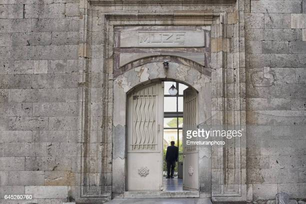 entrance door of manisa museum. - emreturanphoto stock pictures, royalty-free photos & images