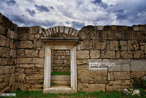 entrance door to market basilica, magnesia - emreturanphoto stock pictures, royalty-free photos & images