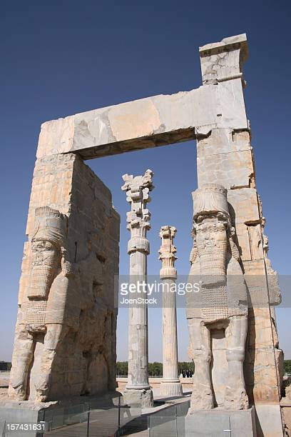 eingang tor des alten persepolis unesco-iran - iran persepolis stock-fotos und bilder