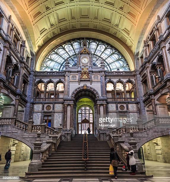 Entrance hall of Antwerpen-Centraal railway station, Antwerpen-Centraal, Antwerpen