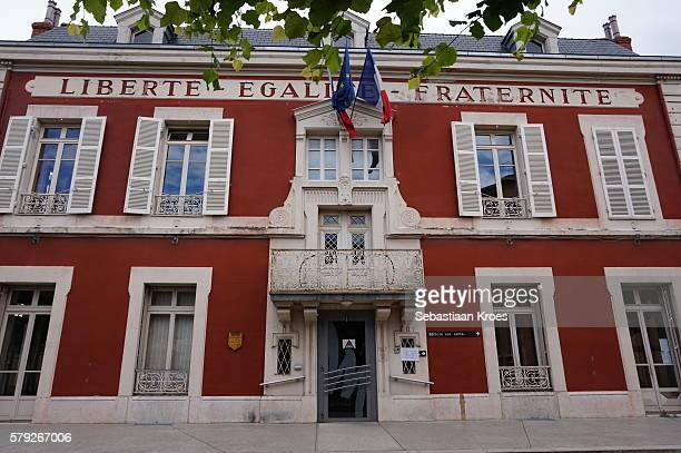 entrance of the city hall of miribel, france - rathaus stock-fotos und bilder