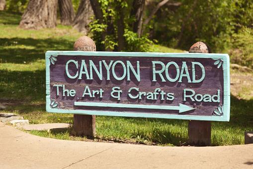Entrance sign of Canyon Road, Santa Fe, New Mexico 474878130