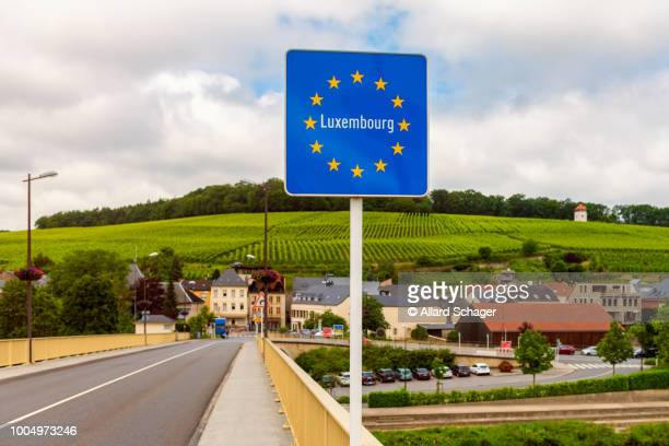entrance sign to luxembourg - luxembourg benelux stock pictures, royalty-free photos & images