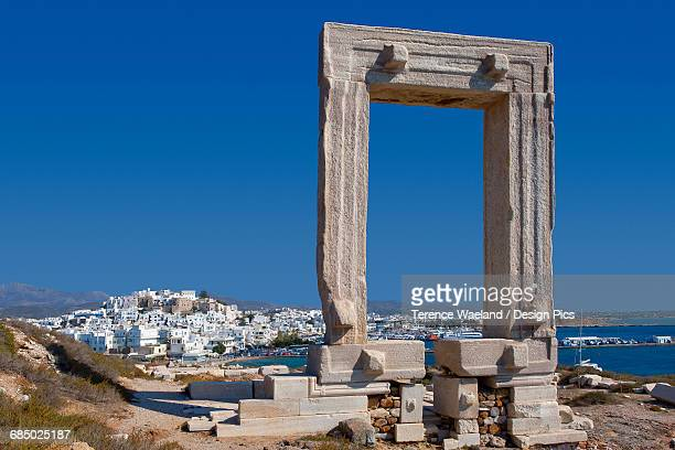 entrance to apollo temple - terence waeland stock pictures, royalty-free photos & images