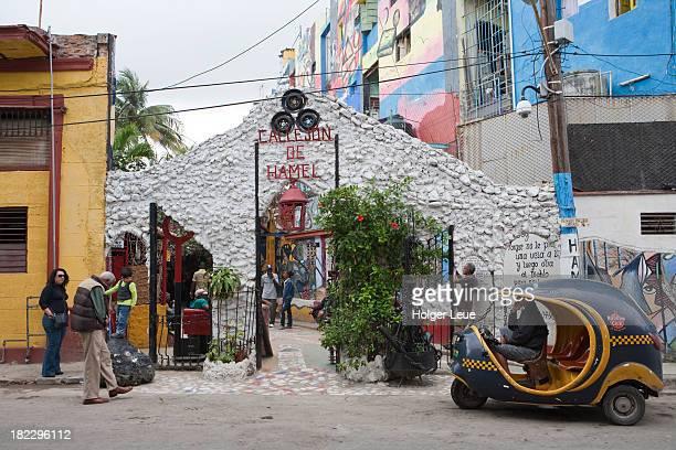 entrance to callejon de hamel - callejon stock pictures, royalty-free photos & images