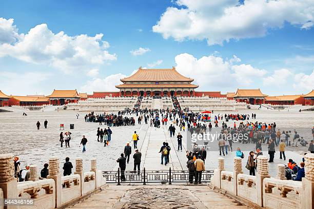 entrance to forbidden city in beijing, china - beijing stock pictures, royalty-free photos & images
