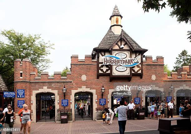 entrance to hersheypark amusement area - pennsylvania stock pictures, royalty-free photos & images