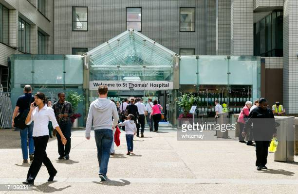 entrance to st thomas' hospital - entrance sign stock pictures, royalty-free photos & images