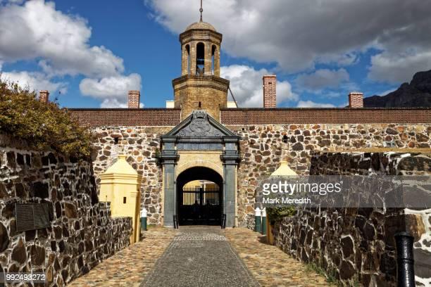 entrance to the castle of good hope, cape town - hope imagens e fotografias de stock