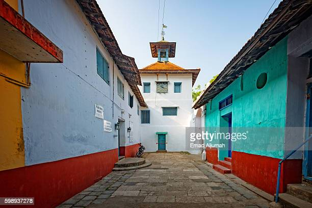 entrance to the jewish synagogue in kochi, kerala, india - kochi india stock pictures, royalty-free photos & images