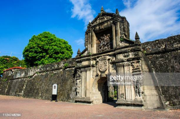 entrance to the old fort santiago, intramuros, manila, luzon, philippines - old manila stock pictures, royalty-free photos & images