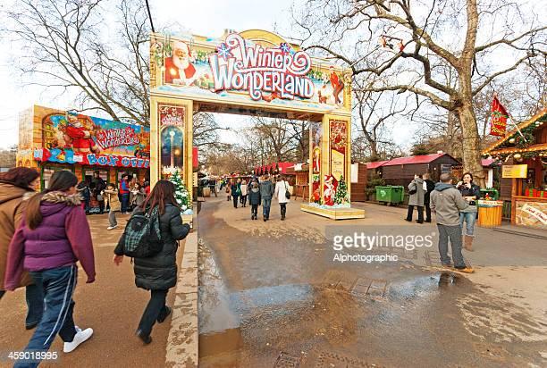 冬のワンダーランドへのエントランス - ロンドン ハイドパーク ストックフォトと画像