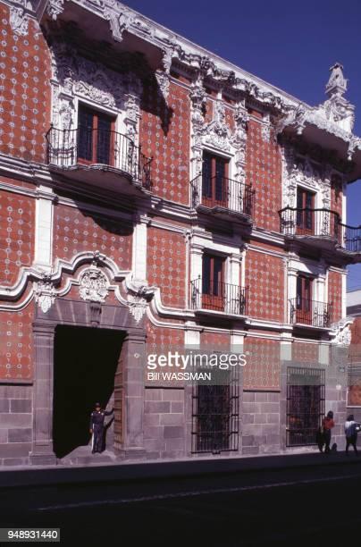 L'entrée du musée Casa del Alfeinique à Puebla en mars 1995 Mexique