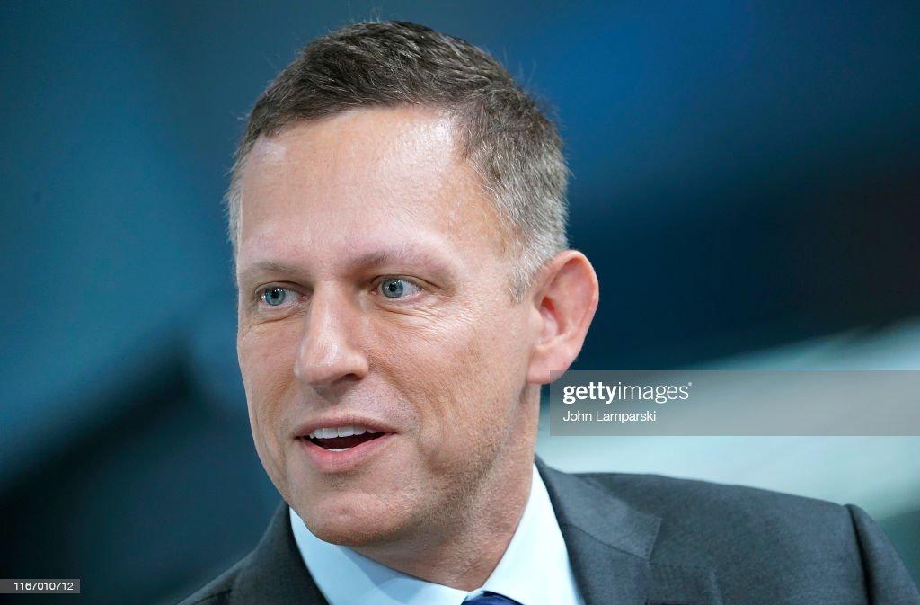 """Peter Thiel Visits """"FOX & Friends"""" : Nachrichtenfoto"""