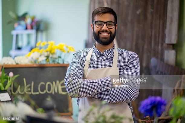 entrepreneur opening his own business - oprichter stockfoto's en -beelden