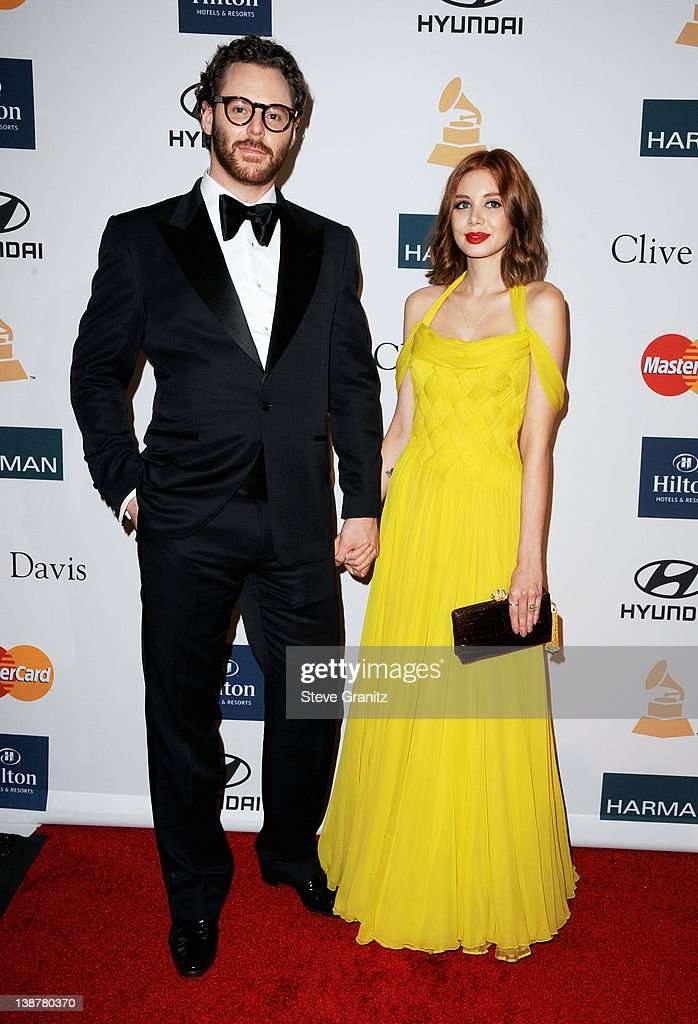 Clive Davis And The Recording Academy's 2012 Pre-GRAMMY Gala And Salute To Industry Icons Honoring Richard Branson - Arrivals : News Photo