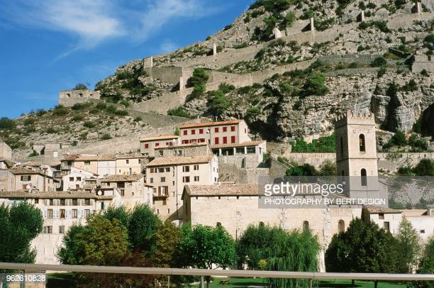 entrevaux france - alpes de haute provence stock pictures, royalty-free photos & images