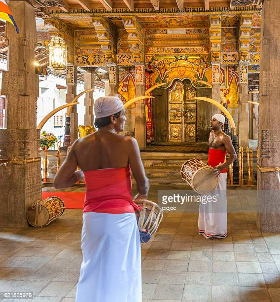entry of temple of the tooth, kandy, sri lanka - kandy kandy district sri lanka stock pictures, royalty-free photos & images
