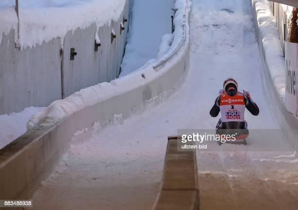 Enttaeuscht sitzt Felix Loch im Zielauslauf auf seinen Schlitten waehrend der FIL Rodel Weltmeisterschaft der Herren am 29 Januar 2017 in Innsbruck...