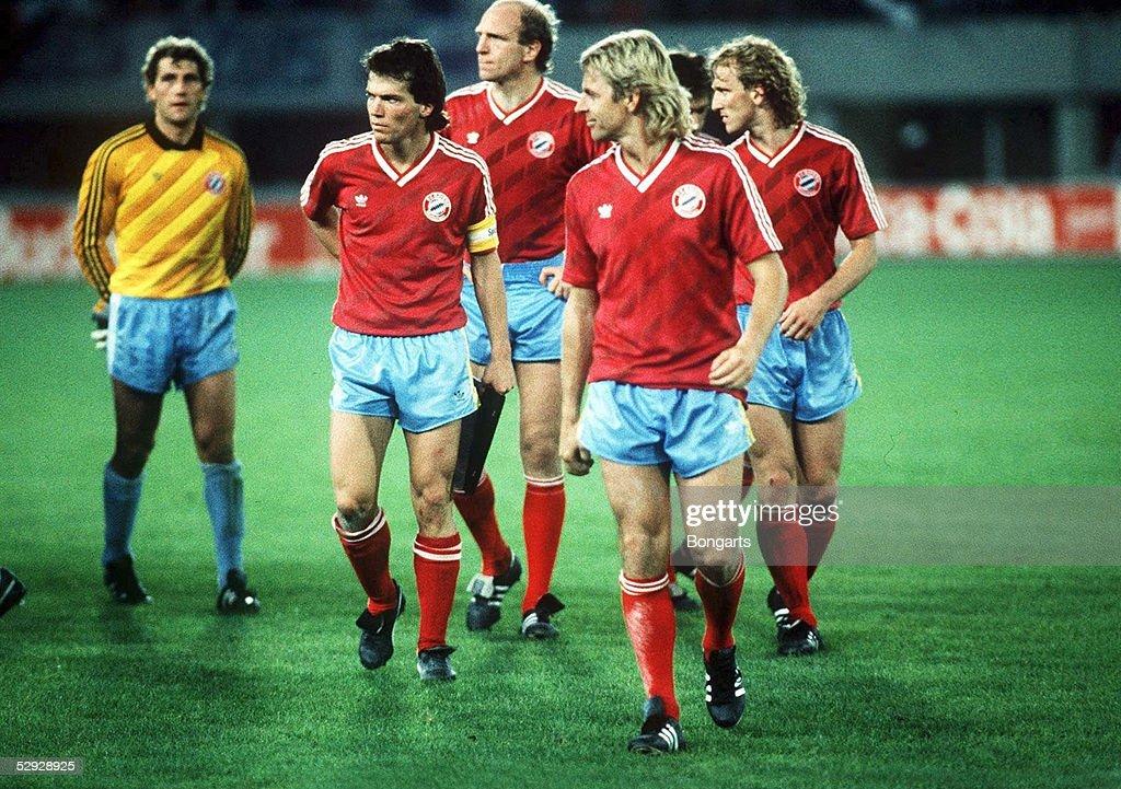 FUSSBALL: POKAL DER LANDESMEISTER 86/87 : News Photo