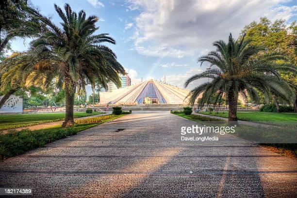 enver hoxha pyramid in tirana - tirana stockfoto's en -beelden