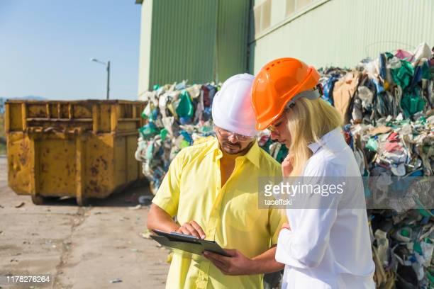 環境保護 - プラスチック汚染 ストックフォトと画像