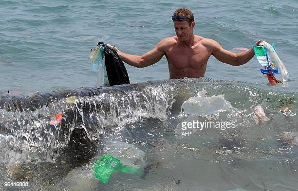EnvironmentUSAsiaoceanwasteplasticFEATURE by Guy Newey Doug Woodring an entrepreneur and conservationist who lives in Hong Kong displays rubbish on...