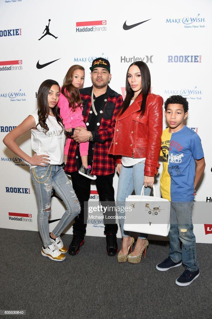 Rookie USA - Backstage - February 2017 - New York Fashion Week: The Shows : News Photo