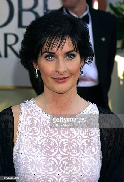 Enya arriving for the Golden Globe Awards at the Beverly Hilton Hotel in Beverly Hills California January 20 2002