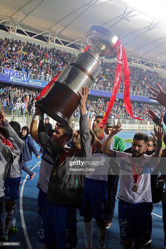 U Catolica v U de Chile - Supercopa 2016