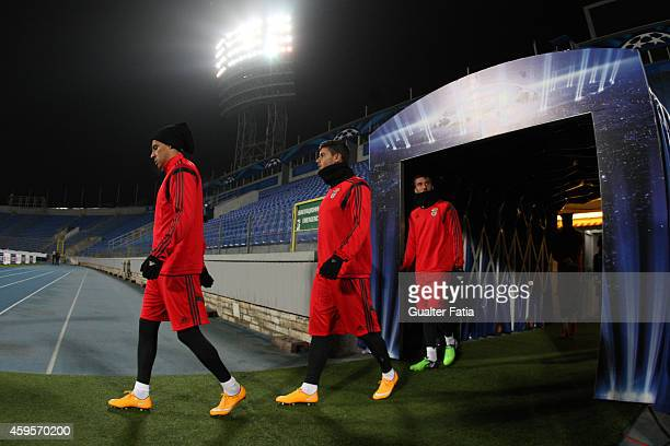 Enzo Perez Loris Benito and Bryan Cristante of SL Benfica enters the pitch during a training session ahead of their UEFA Champions League match...