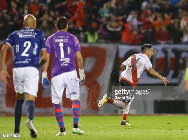 Enzo Perez of River Plate celebrates after scoring the fourth goal of his team during a second leg match between River Plate and Wilstermann as part...