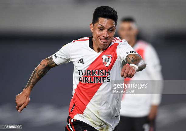 Enzo Perez of River Plate celebrates after scoring the second goal of his team during a match between River Plate and Aldosivi as part of Torneo Liga...