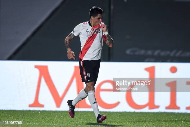 Enzo Perez of River Plate celebrates after scoring the second goal of his team during a match between Sarmiento and River Plate as part of Torneo...