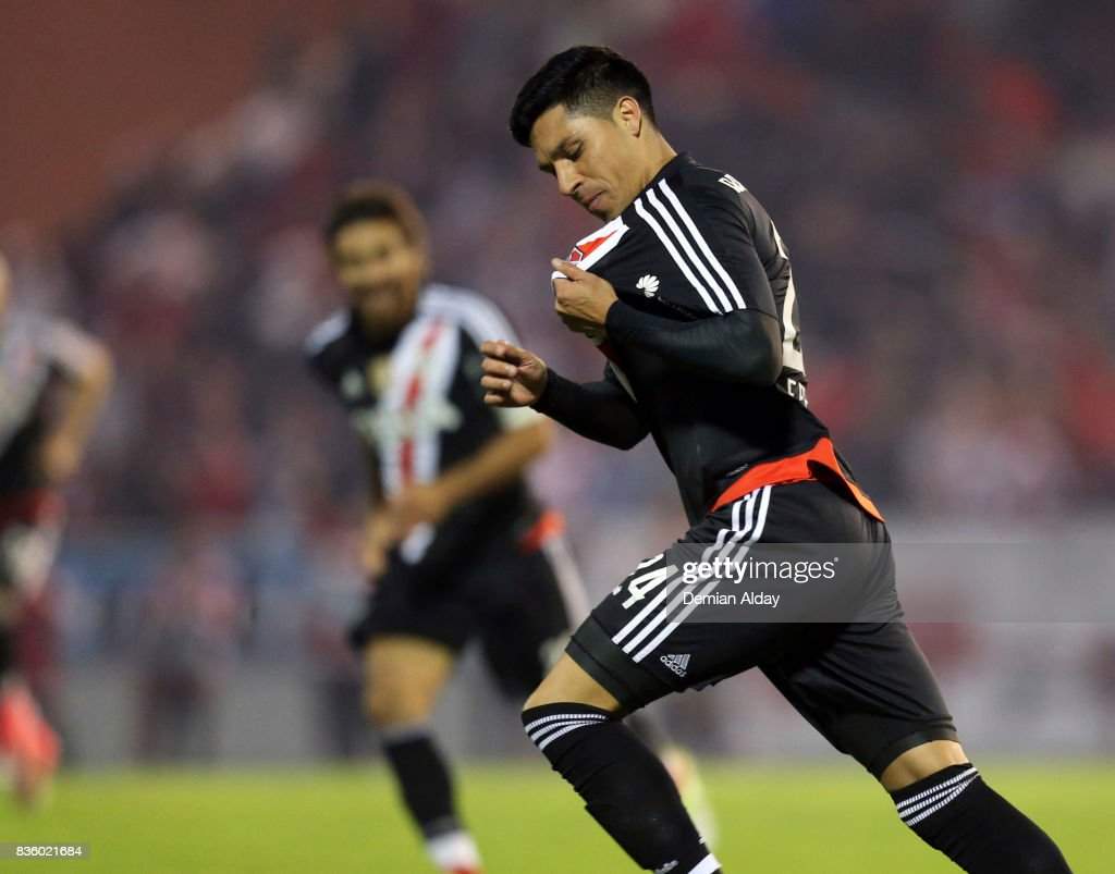 Enzo Perez of River Plate celebrates after scoring the second goal of his team during a match between River Plate and Instituto as part of round 16 of Copa Argentina 2017 at Jose Maria Minella Stadium on August 20, 2017 in Mar del Plata, Argentina.