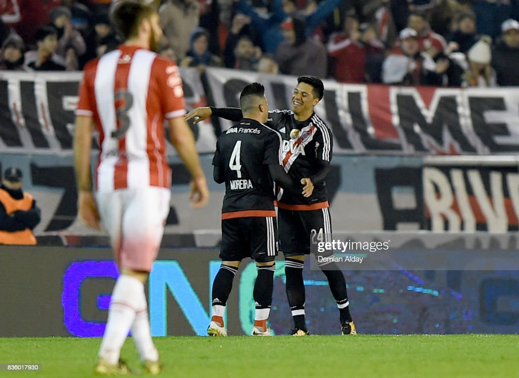 Enzo Perez of River Plate celebrates with teammate Jorge Moreira after scoring the second goal of his team during a match between River Plate and Instituto as part of round 16 of Copa Argentina 2017 at Jose Maria Minella Stadium on August 20, 2017 in Mar del Plata, Argentina.