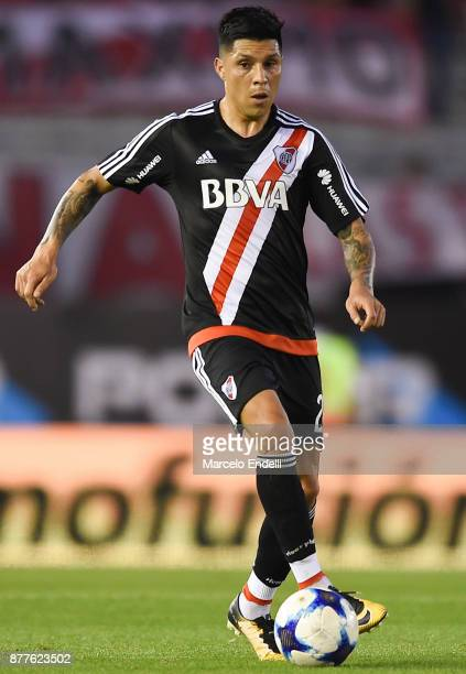 Enzo Perez of River Plate drives the ball during a match between River and Union as part of Superliga 2017/18 at Monumental Stadium on November 22...