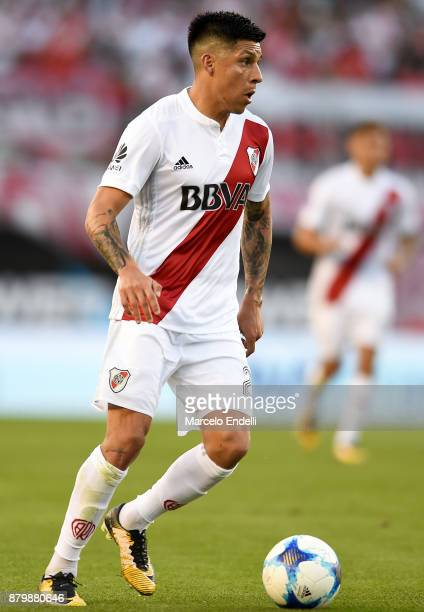 Enzo Perez of River Plate drives the ball during a match between River and Newell's Old Boys as part of Superliga 2017/18 at Monumental Stadium on...