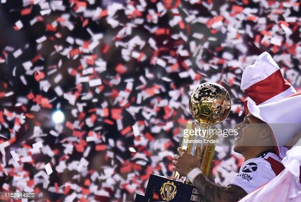 Enzo Perez of River Plate pose with trophy after winning the final of the CONMEBOL Recopa Sudamericana 2019 between River Plate and Athletico...