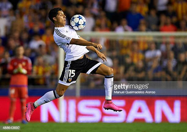 Enzo Perez of Valencia controls the ball during the UEFA Champions League Group H match between Valencia CF and FC Zenit at the Estadi de Mestalla on...