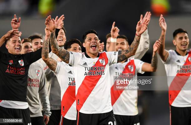 Enzo Pérez of River Plate celebrates with teammates after winning a match between River Plate and Boca Juniors as part of Torneo Liga Profesional...