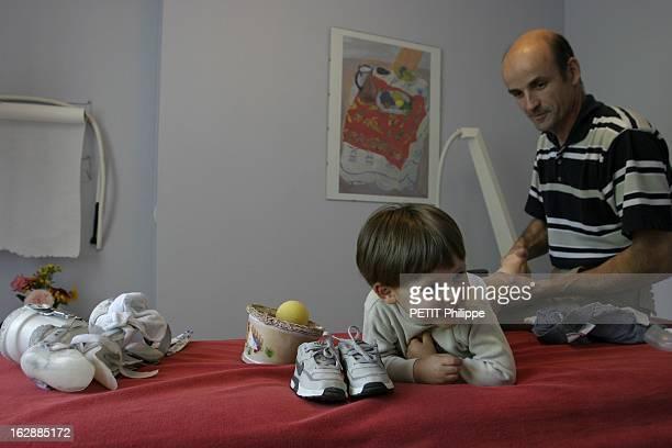 Enzo Victim Of Orphan Disease Enzo VERPIOT 2ans est atteint d'une maladie orpheline l'agénésie du tibia lors de sa séance de kinésithérapie avec le...