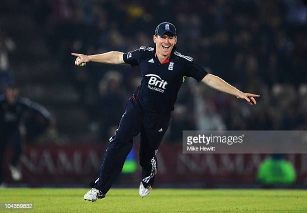 Eoin Morgan of England celebrates the catch to dismiss Shoaib Akhtar of Pakistan and victory during the 5th NatWest One Day International between...