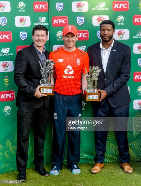 Eoin Morgan of England is Man of the match during the 3rd KFC T20 International match between South Africa and England at SuperSport Park on February...