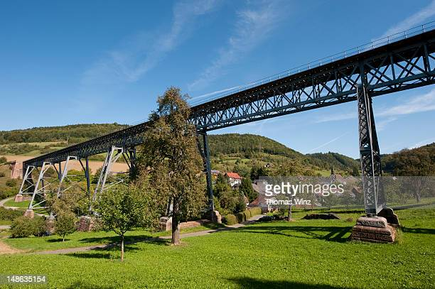 epfenhofer viadukt sauschwanzlebahn railroad bridge, blumberg. - freiburg im breisgau stock-fotos und bilder