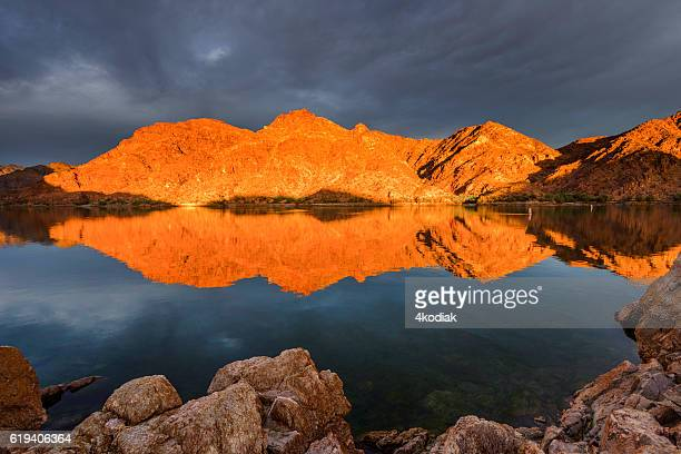 epic sunrise at colorado river near las vagas - red_rock,_nevada stock pictures, royalty-free photos & images