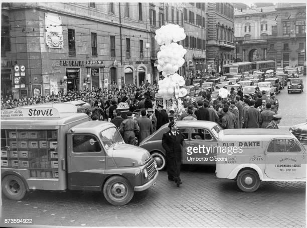 Epiphany party at 'Piazza Venezia' Rome 1954