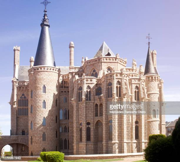 episcopal palace in astorga, león province, spain. - spire stock pictures, royalty-free photos & images