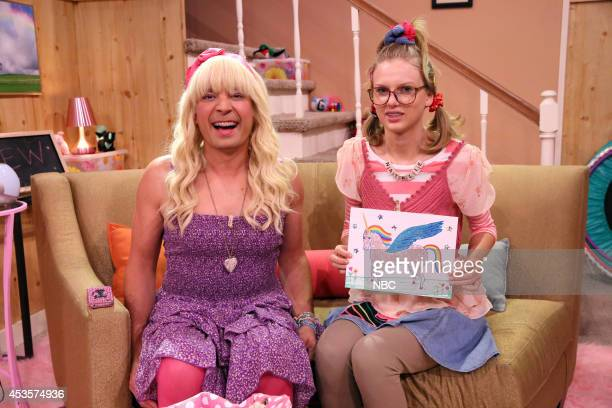 Host Jimmy Fallon and musician Taylor Swift during the Ew skit on August 13 2014