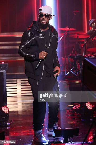 Musical guest R Kelly performs on November 19 2015